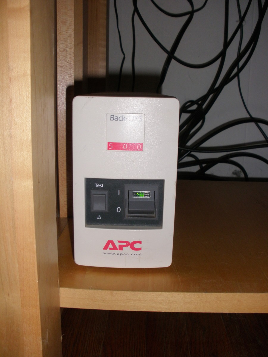 My ancient APC Back-UPS 500, that lives beneath the TV stand and quietly stands by to provide power to my Hopper with Sling DVR and my internet gateway (modem + router).
