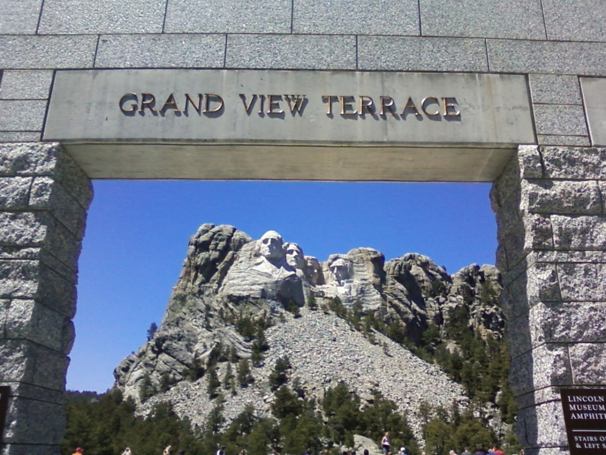 Mount Rushmore vs. Crazy Horse Facts