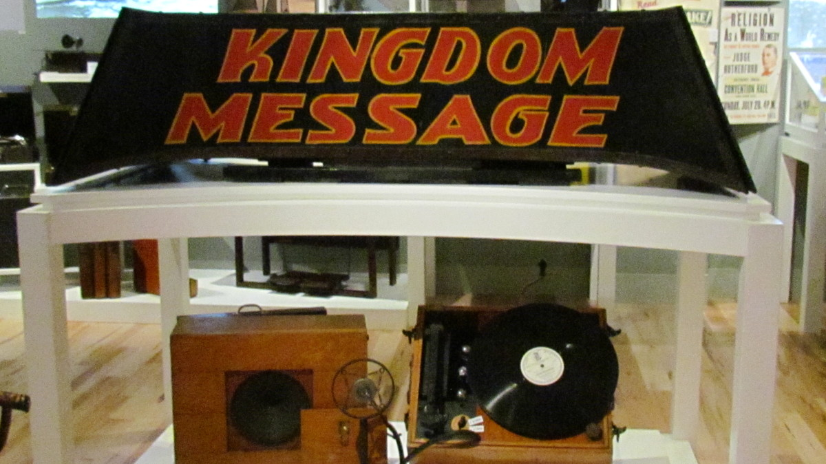 """Kingdom Message"" display of various records and speakers used in the early times of Jehovah's organization."