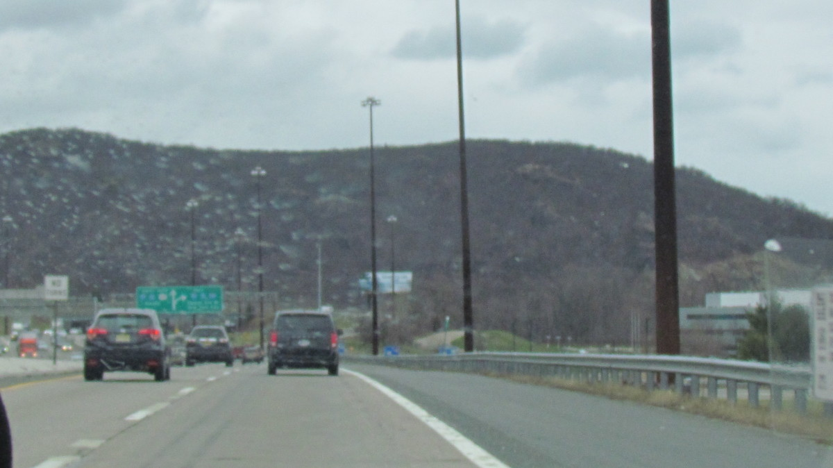 Amazing mountain ranges as you approach the Tuxedo, New York area.