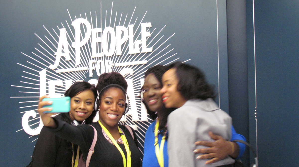 Brittany, Wanisha, Chantal and Jaleesa do a quick group photo during the tour..