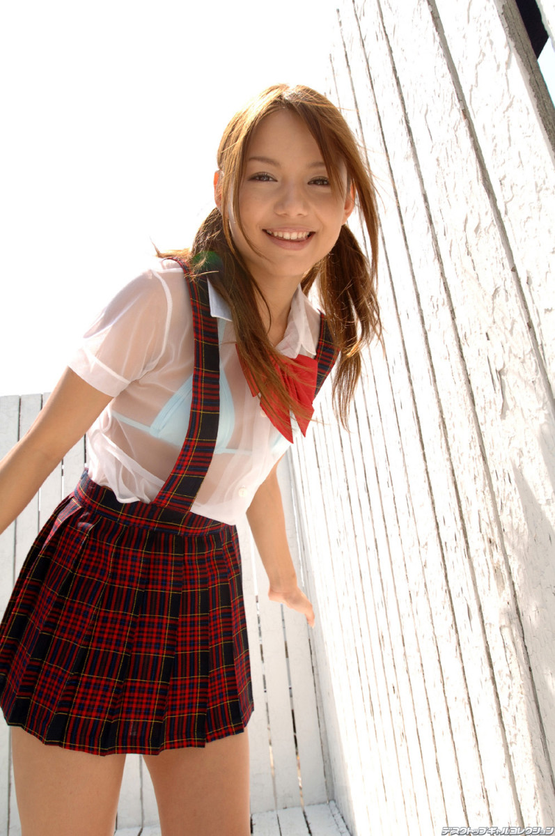 Tina Yuzuki Former AV Idol & Film Actress