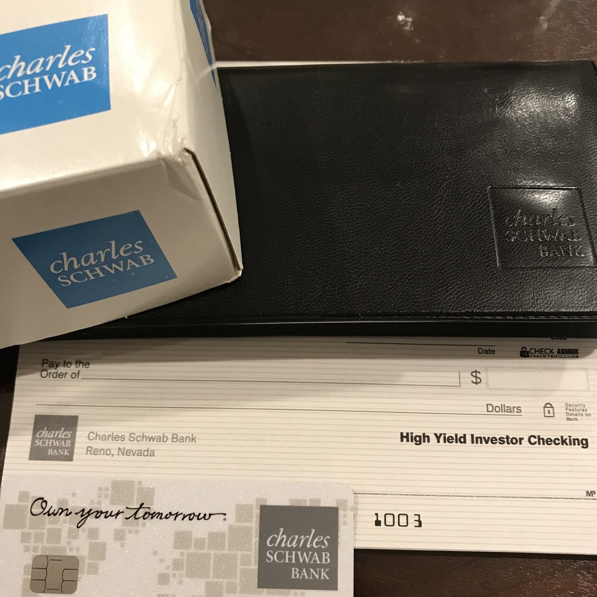 10 Reasons Why I Love the Charles Schwab Checking Account