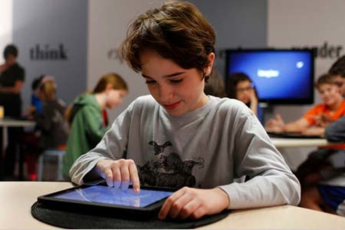 Retailers are betting that tablet devices may be the big back-to-school sell for this Fall(2011)