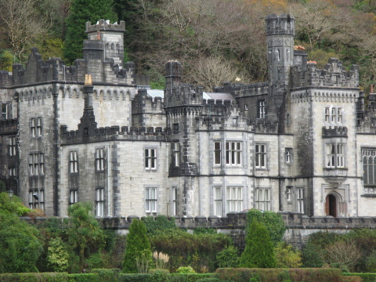 photo of the beautiful and stately Kylemore Abbey Connemara Ireland
