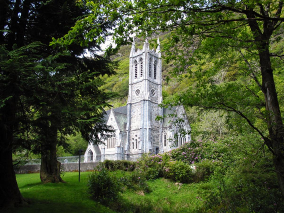 photo of the beautiful and stately Kylemore Abbey Connemara Ireland