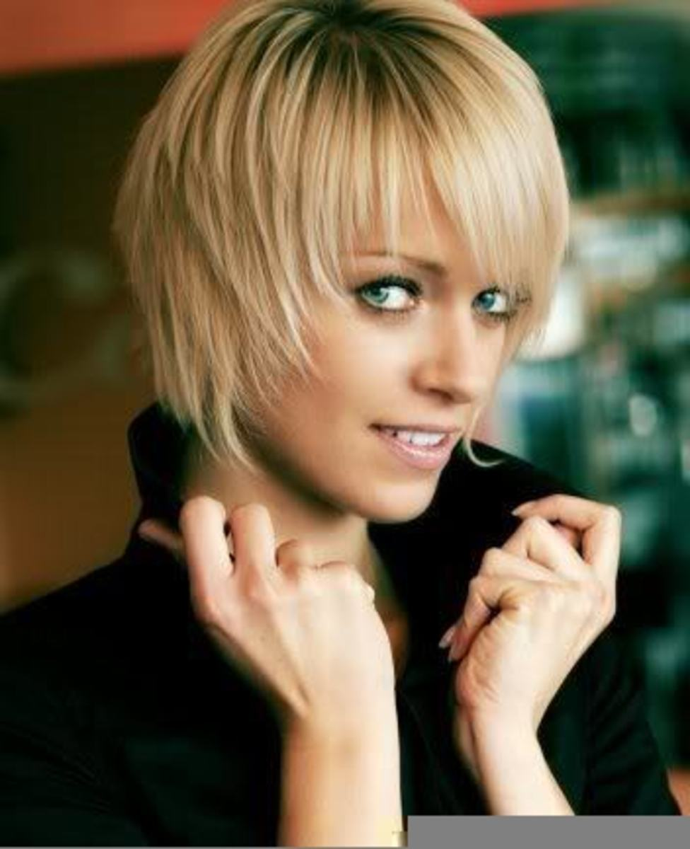 Layered short bob for fine hair.