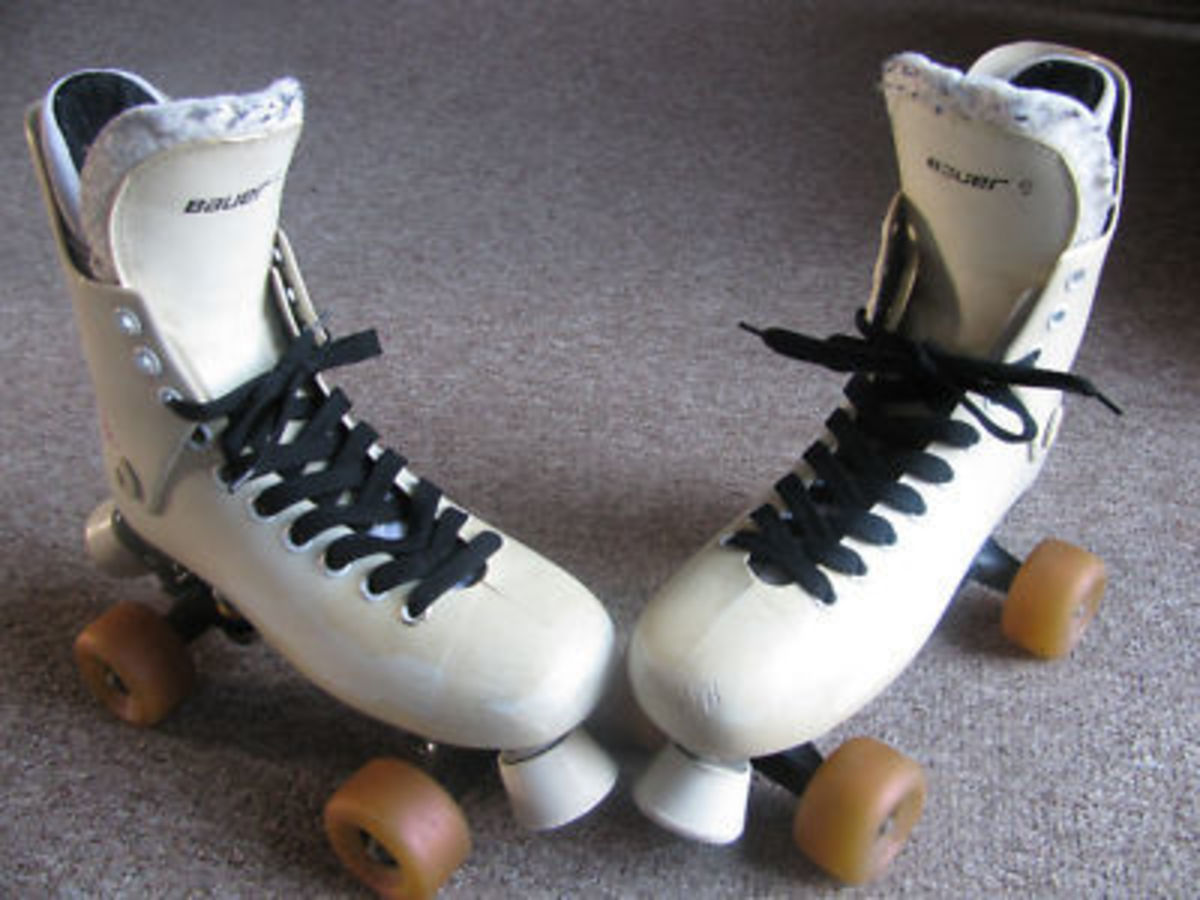 you-just-had-to-have-bauer-turbo-rollerskates-with-2-tone-sims-wheels