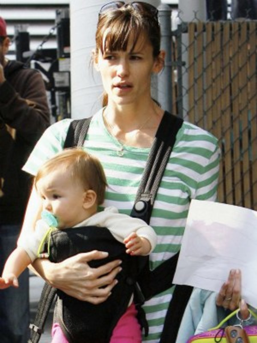 Jennifer Garner and Seraphina Affleck. I think that the father is Ben Affleck.
