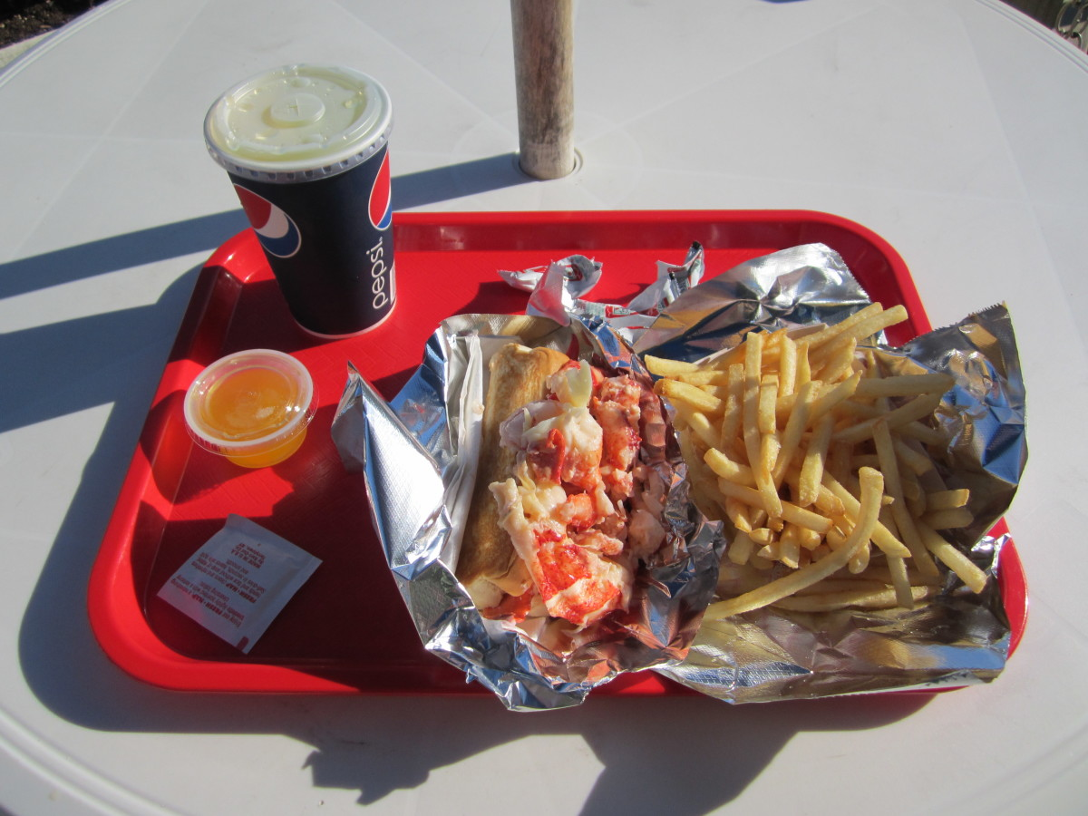 Red's Famous Lobster Roll and fries.