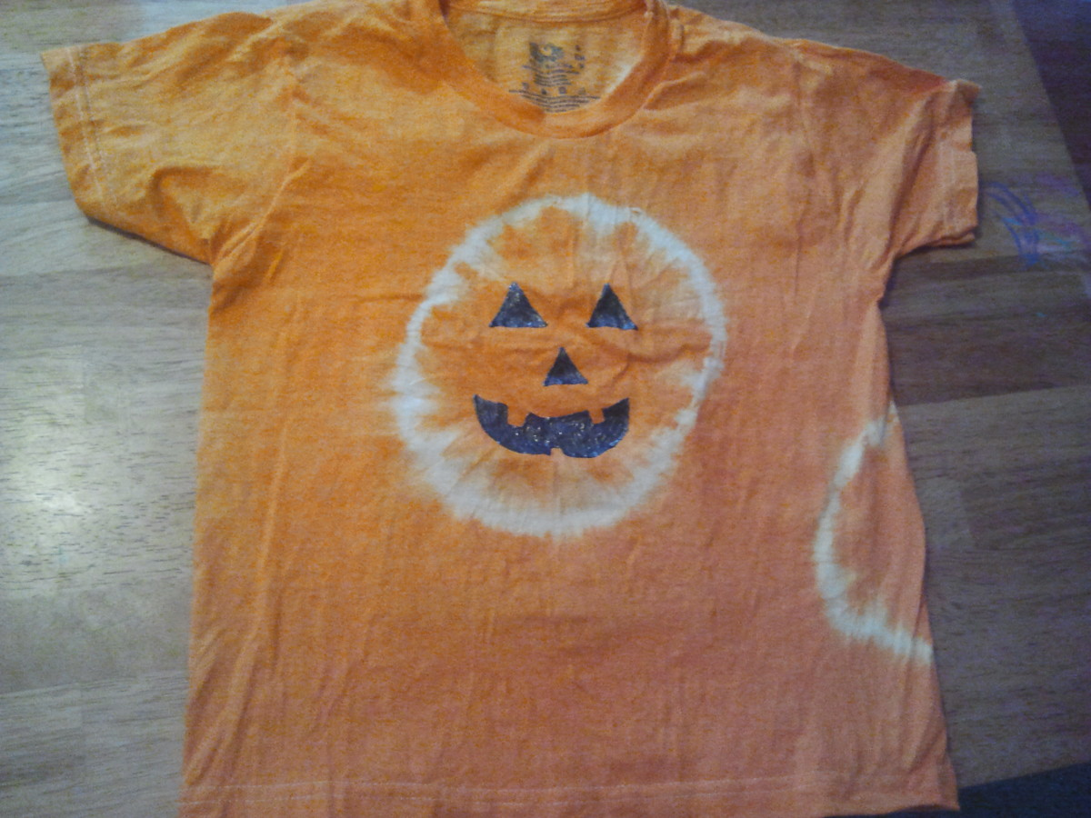 How to make tie dyed pumpkin t shirts hubpages for How to make tie dye shirts at home