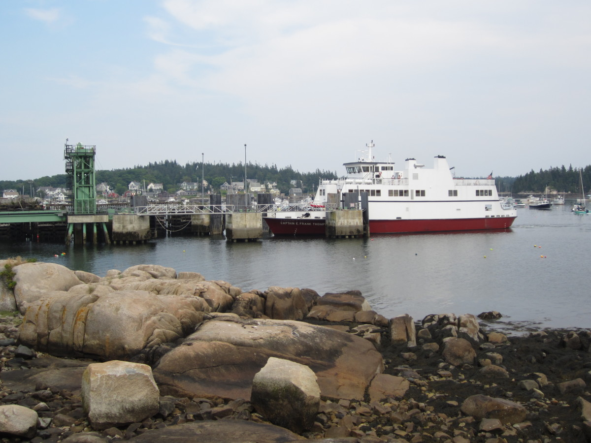 Ferry coming into port Vinalhaven, ME