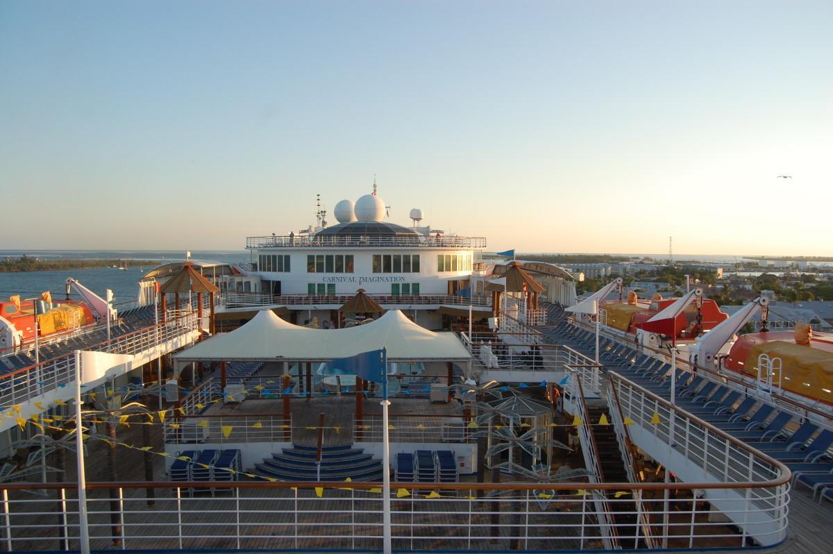 Pool deck on Carnival Imagination