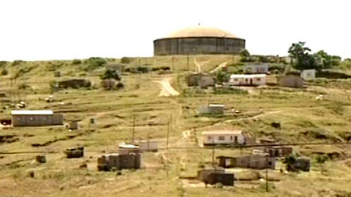 Residents and the business community at Nkandla in KwaZulu Natal have complained to President Jacob Zuma about lack of roads, electricity and water. Zuma is under pressure to explain his involvement in security upgrades worth R246 million at his Nkan