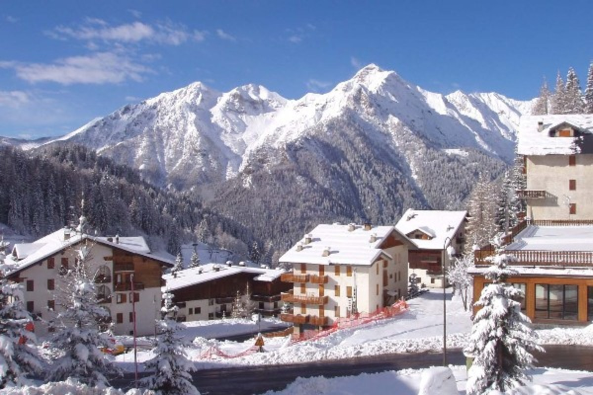 Skiing Holidays in Italy : Things to do in Foppolo in the Brembana Valley