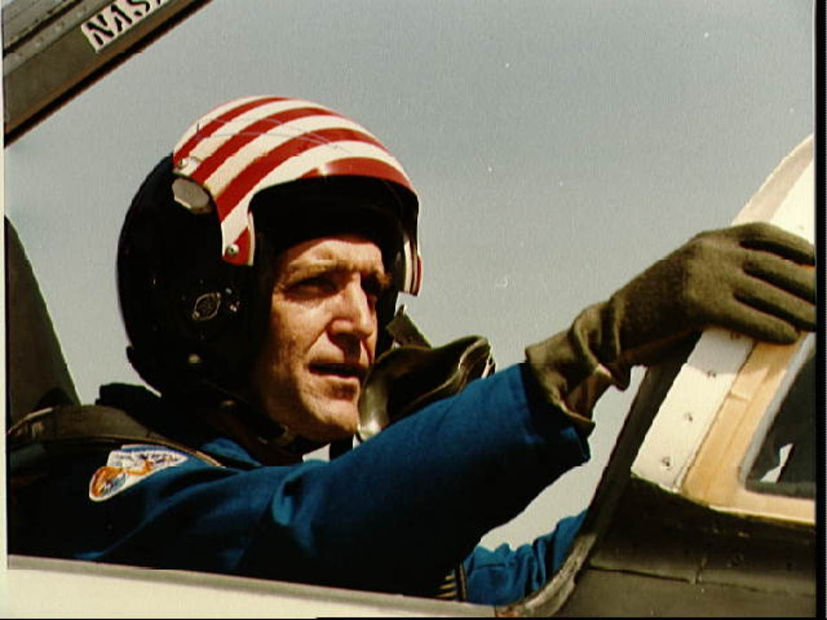 Dick Scobee flying a T-38 in preparation for Challenger Mission STS-41C
