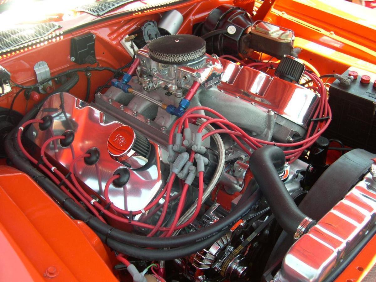 1970 HEMI CUDA ENGINE