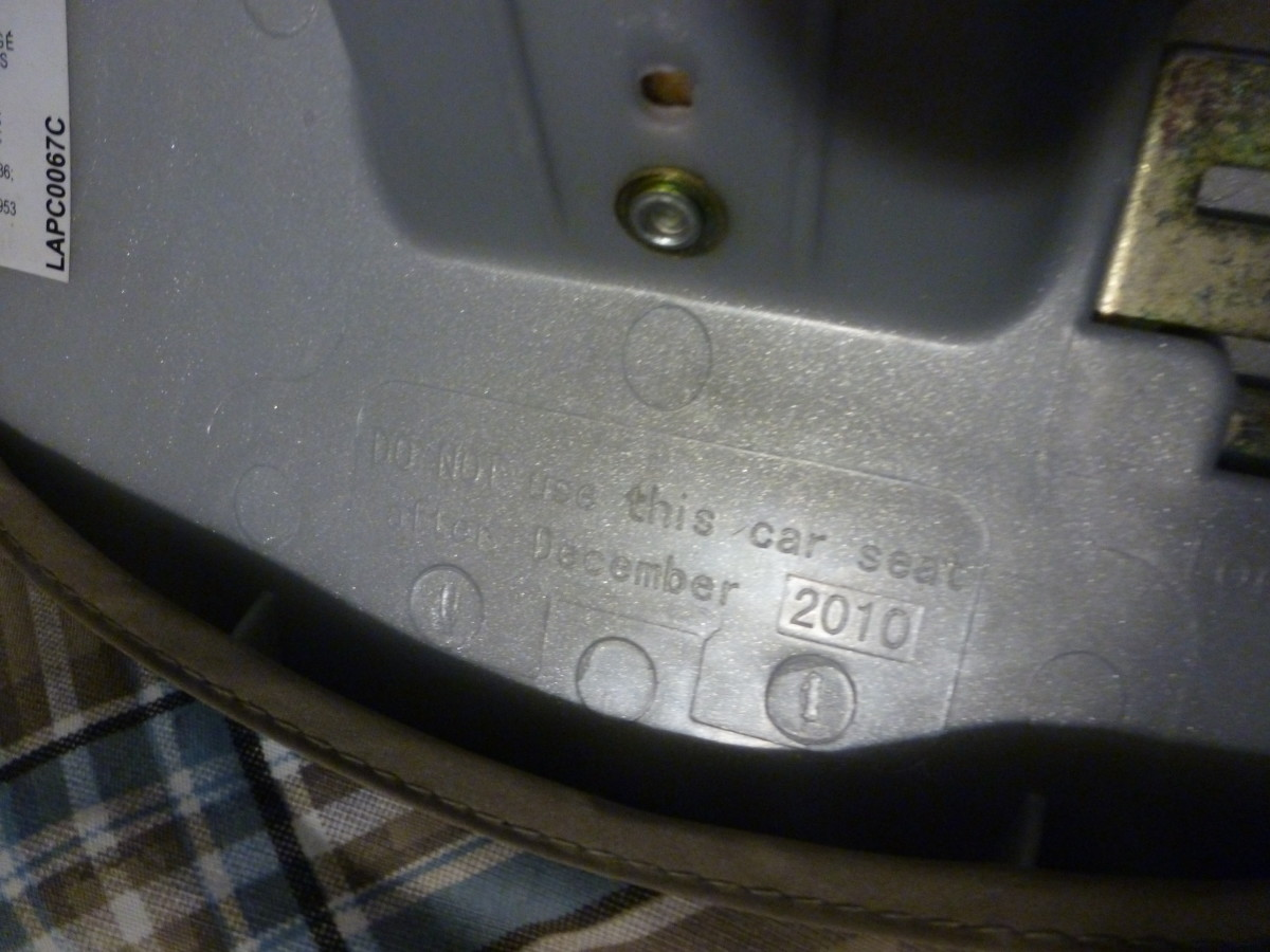 "This car seat has a difficult-to-see expiration date - stamped into the plastic is the warning, ""Do not use this car seat after December 2010."" Click to enlarge."
