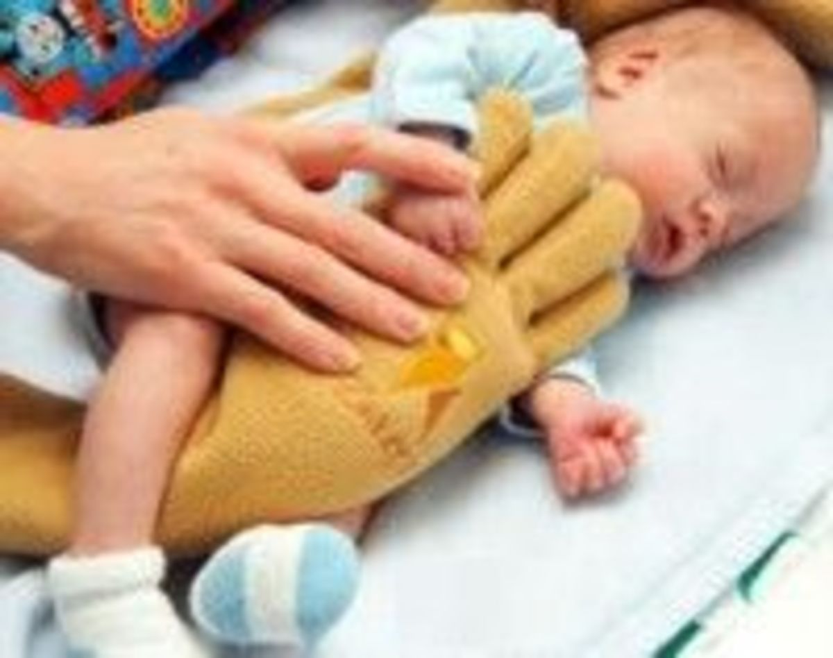 The Zaky Hand A Therapeutic Pillow For Nicu Babies