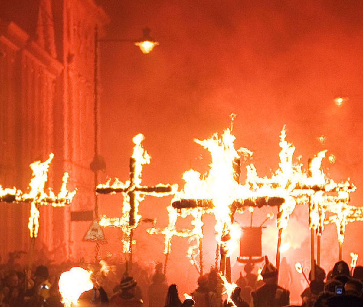 Lewes bonfire night - Martyrs Crosses courtesy of Wiki Commons