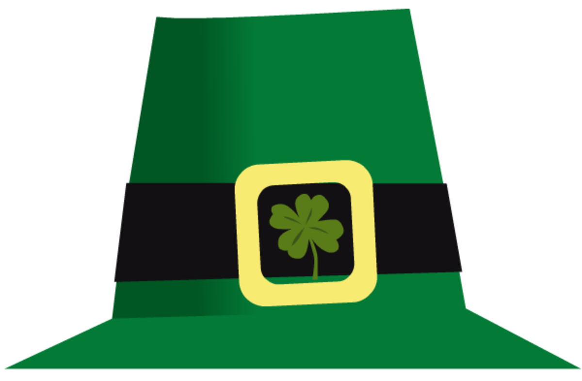 Leprechaun's green St. Patrick's Day top hat with four-leaf clover free clip art