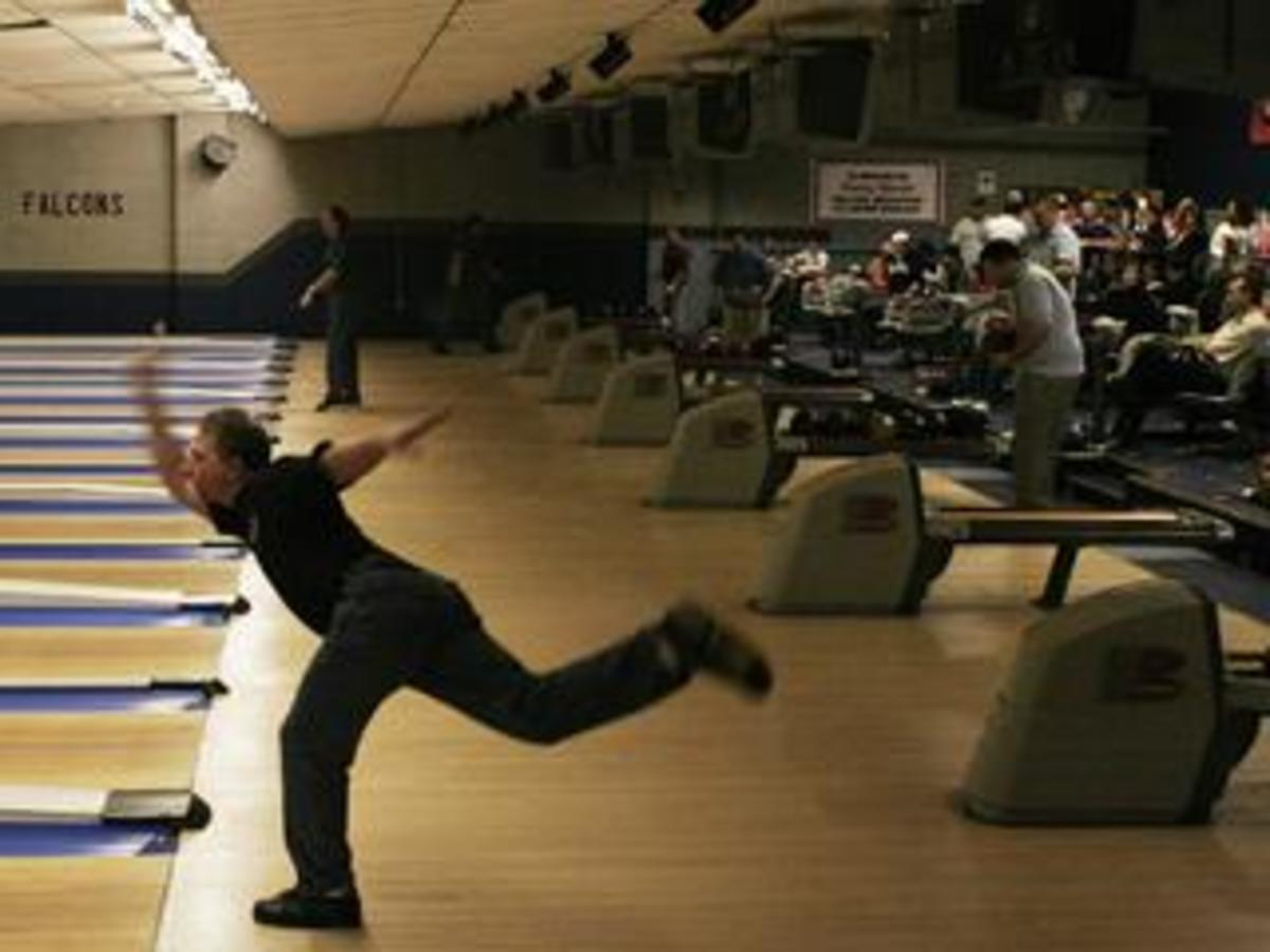 how-to-bowl-with-a-hook