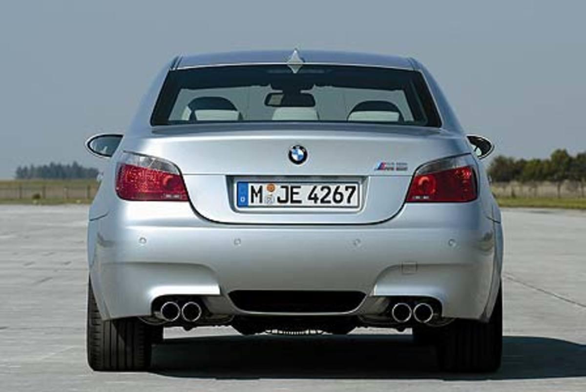 BMW M5 - 205mph