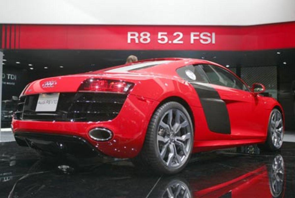 Audi R8 V10 - 196mph