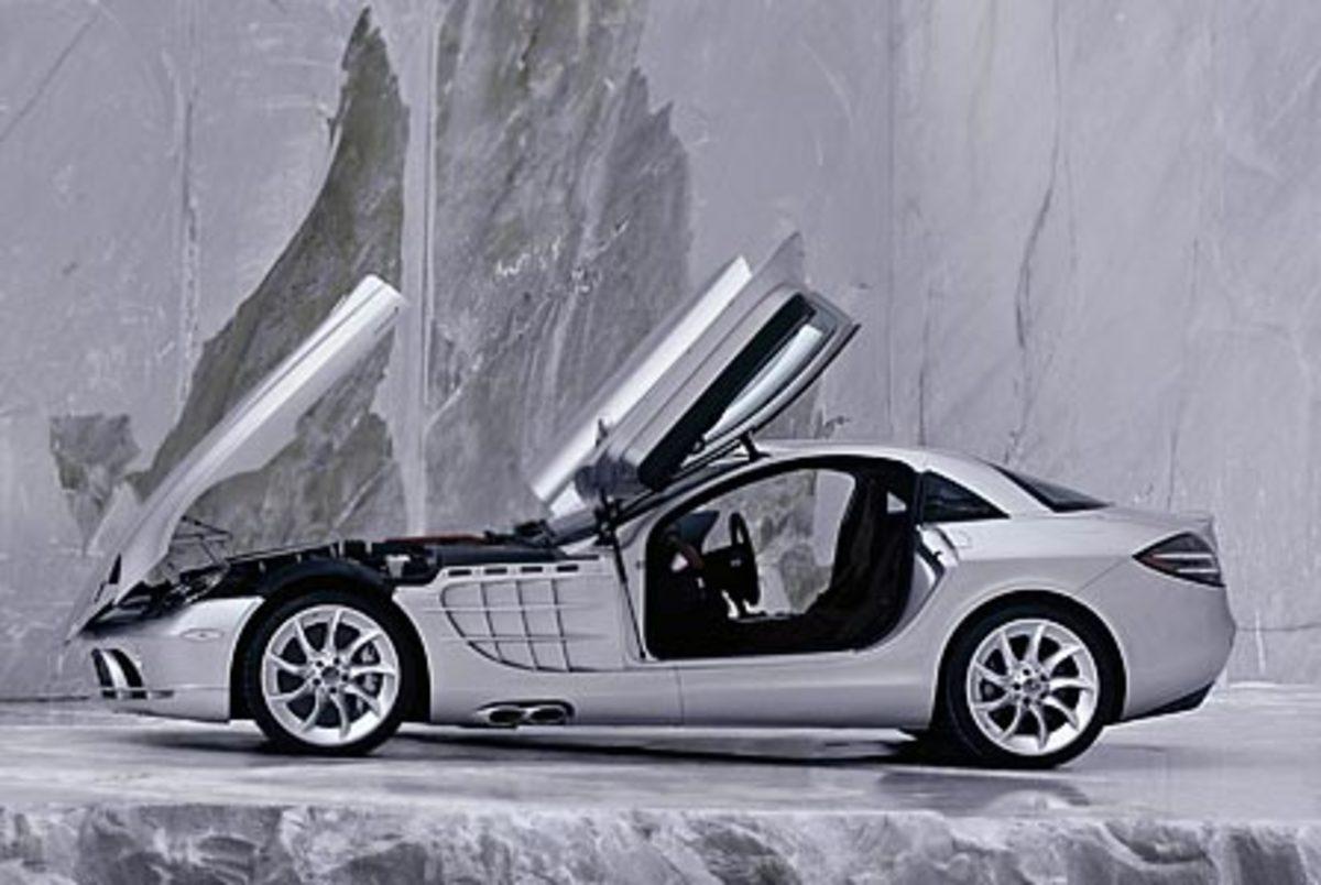 Mercedes Benz SLR Mclaren - 207mph