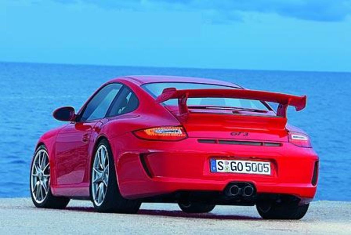 Porsche 911 GT2 - 204mph