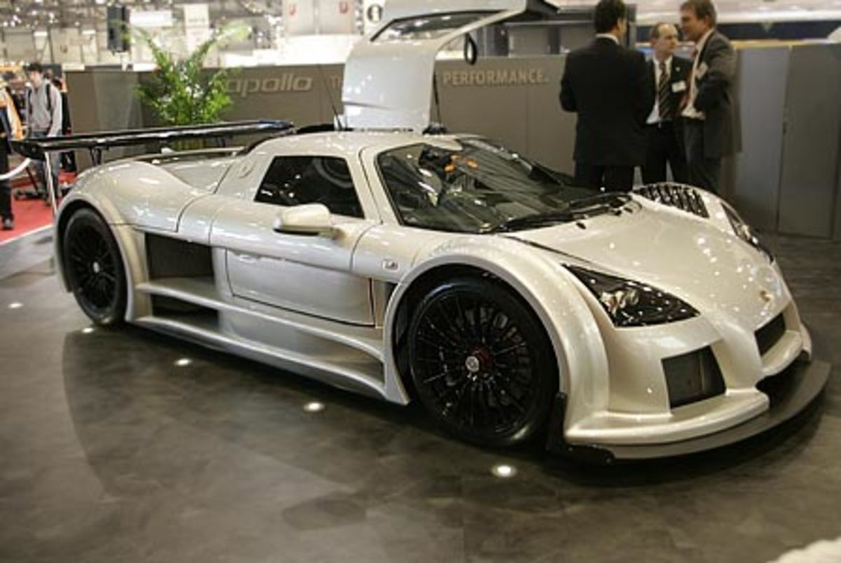 Gumpert Apollo - 224mph