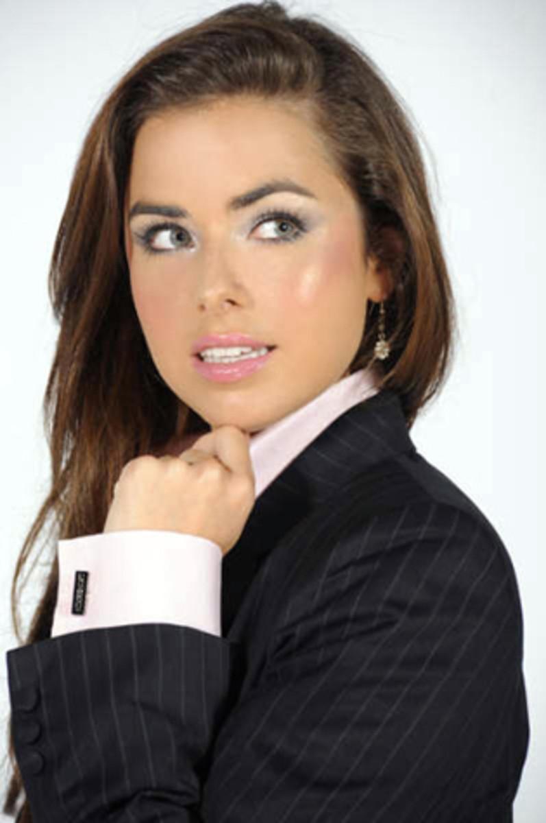 Cufflinks for Women. Can Women, Ladies and Girls Wear Cuff Links?