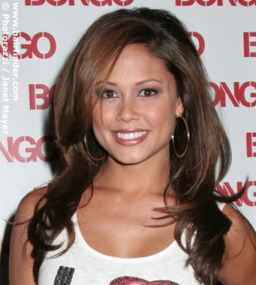 Vanessa Minnillo, Hot Pics and Vids