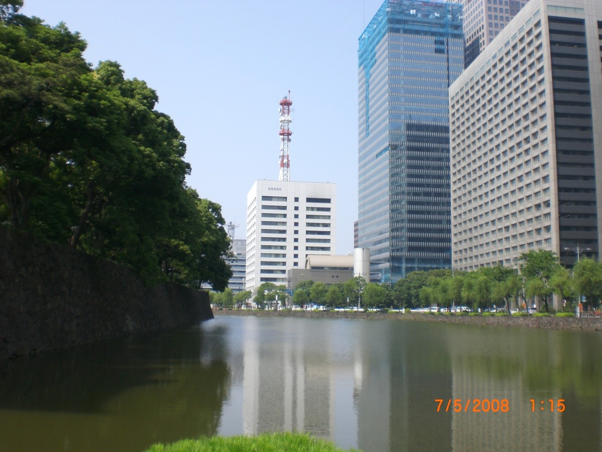 Street View beside Imperial Palace