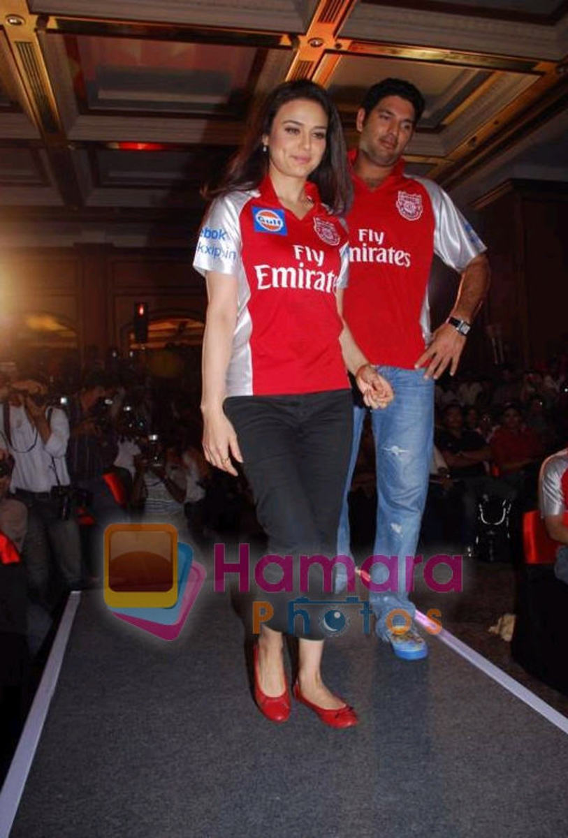 priety-zinta-and-yuvraj-singh-scandal-pictures