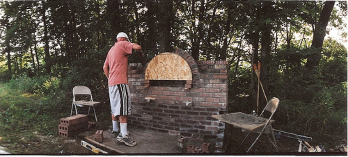 Outdoor Brick Grill and Oven (Photo courtesy by johnnyalive from Flickr)