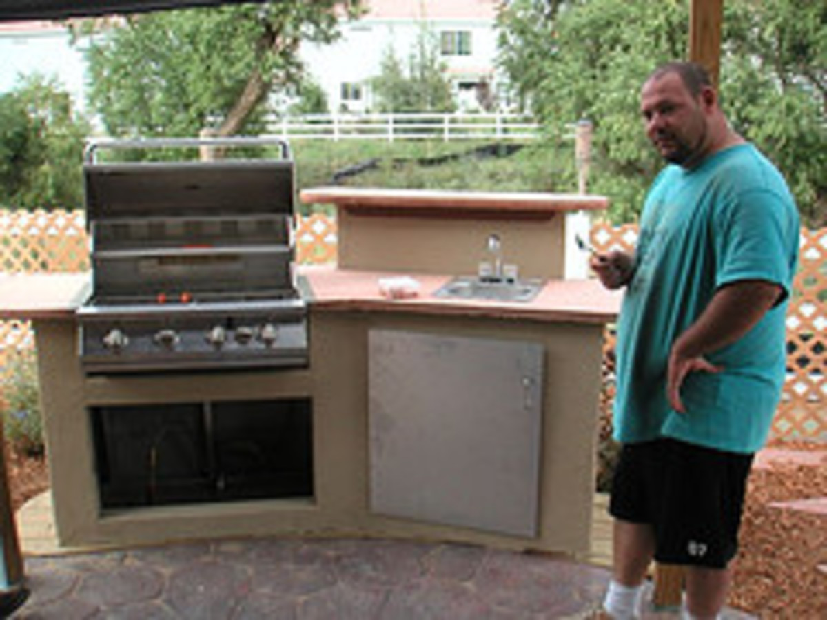 An Outdoor Kitchen with a Small Sink (Photo courtesy by lalagirl from Flickr)