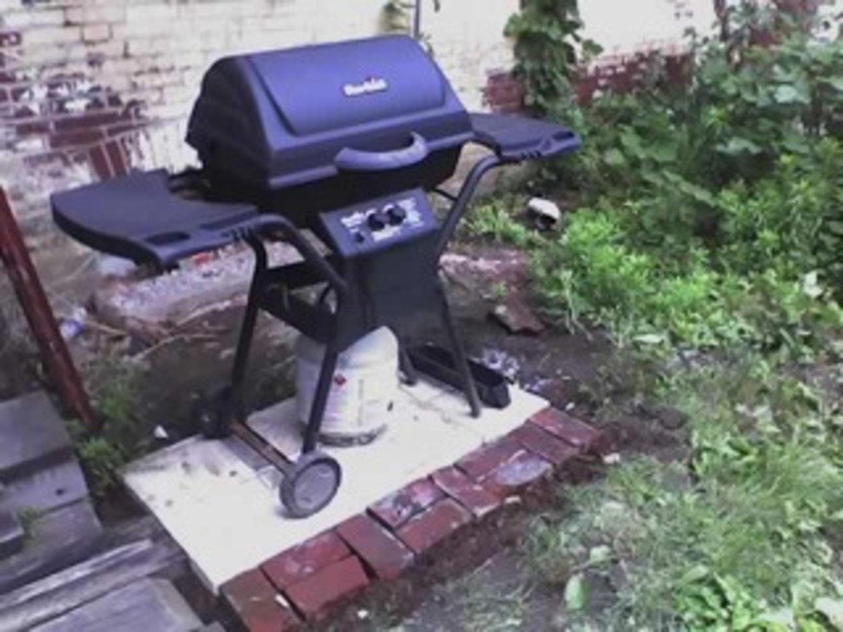 A Gas Grill (Photo courtesy by smedero from Flickr)