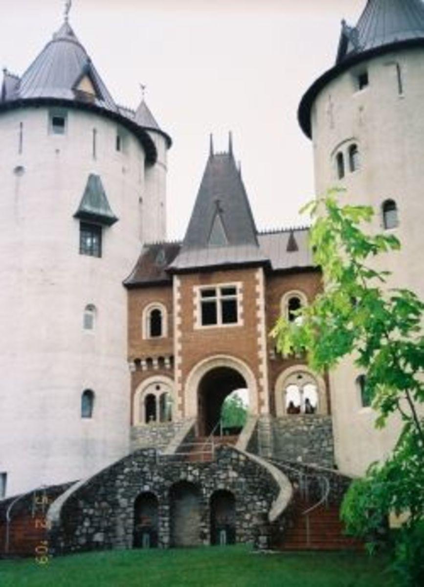 Castell Gwynn in 2009. Photo © Kathryn E. Darden. All rights reserved.
