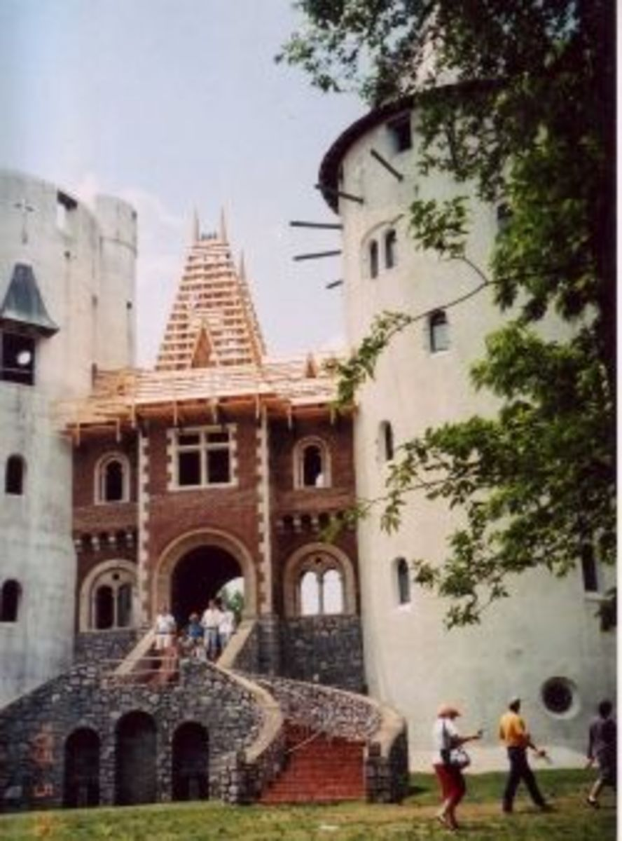 Castell Gwynn before completion. Photo © Kathryn E. Darden. All rights reserved.