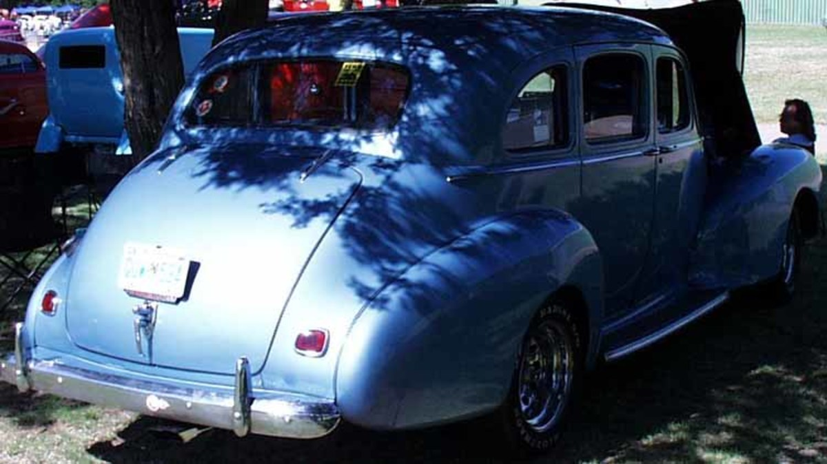 This photo shows a '47 Hudson. Maybe you can see that the back door is hinged on the rear side.
