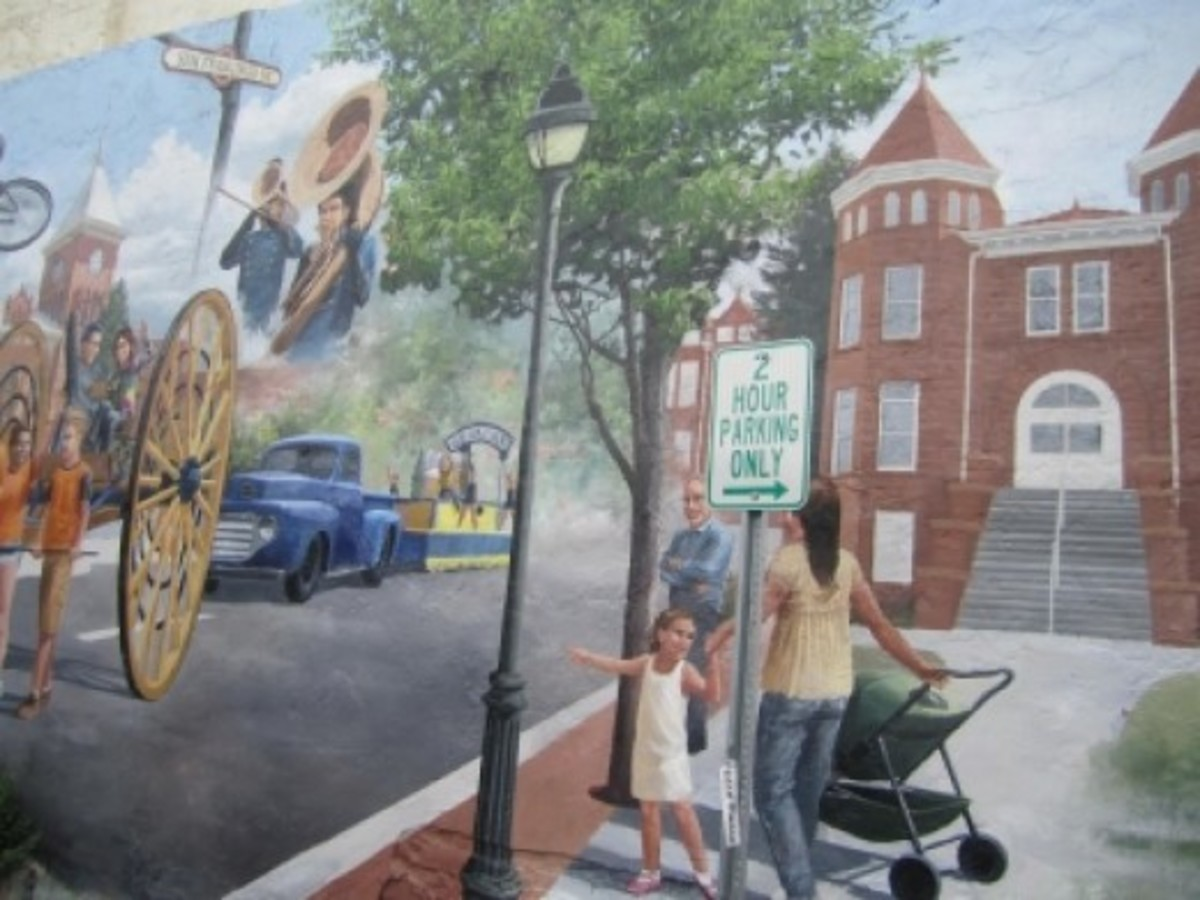 The mural on the side of McNabb's has changed (2012). This scene is by Mural Joe.