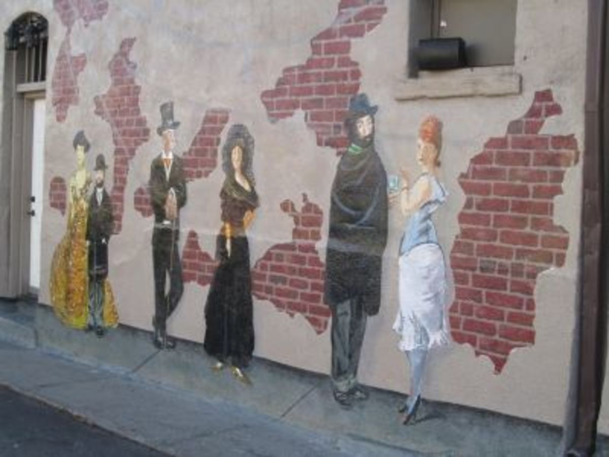 I noticed this mural in October, 2010, downtown. I'm not sure how long it had been there.