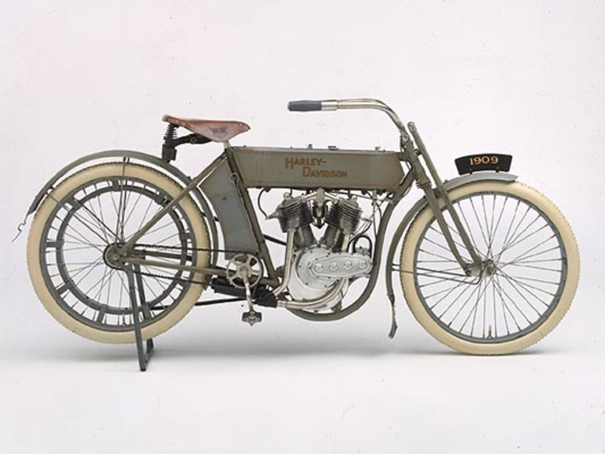 1909 V-Twin Model 5-D  © 2001-2009 H-D.