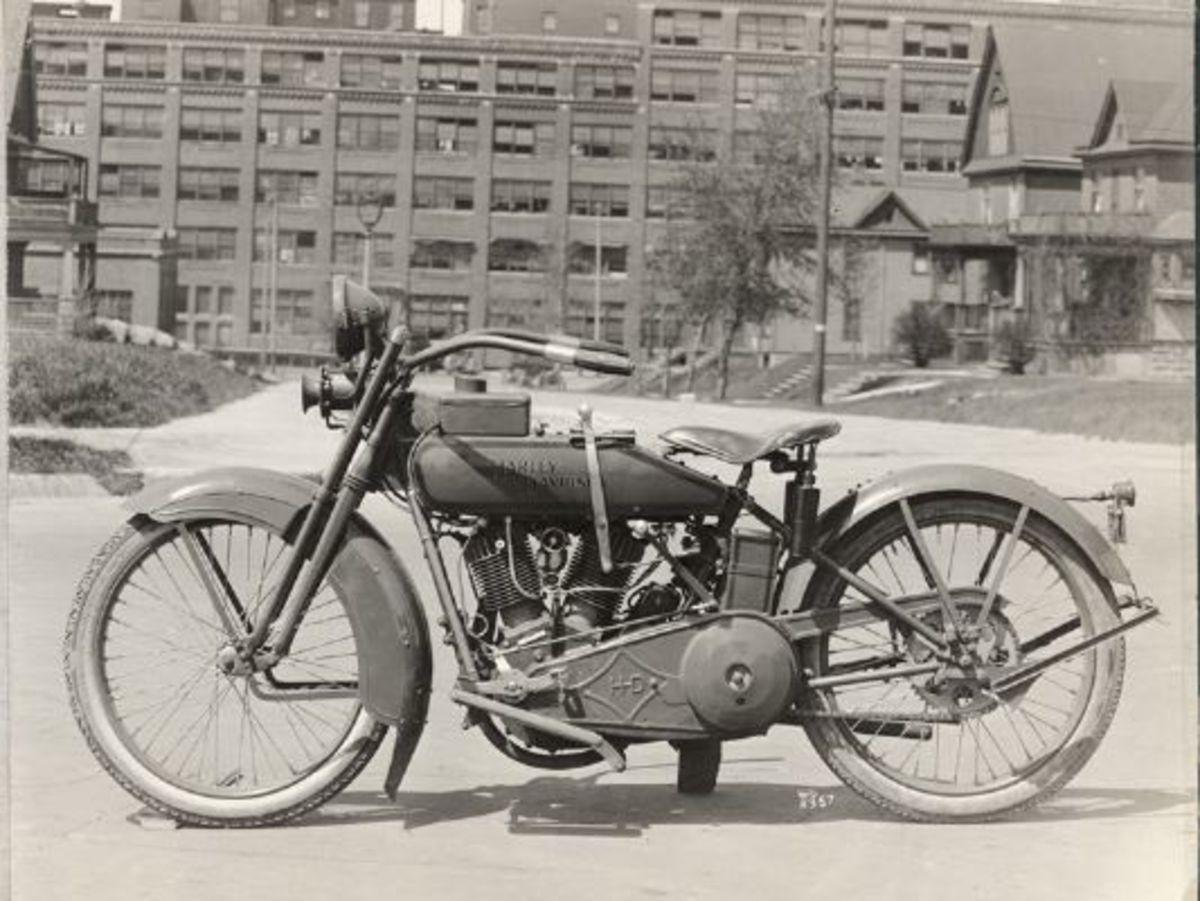 1922 J Model © 2001-2009 H-D.