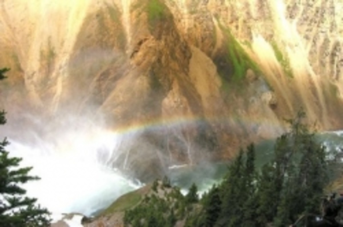 Rainbow in Yellowstone by Richard Wang, Wikimedia.