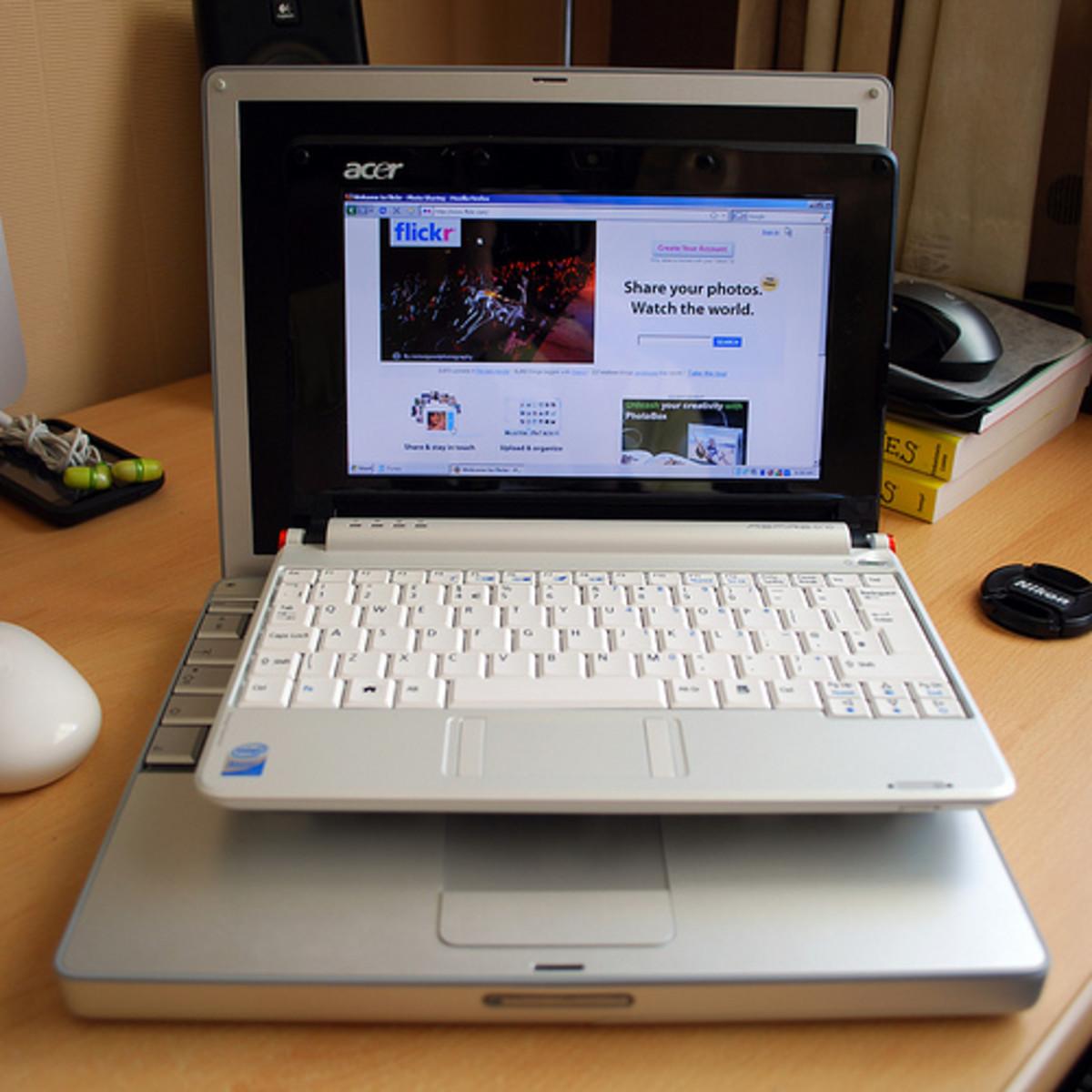 A Mini Laptop vs a Regular Laptop