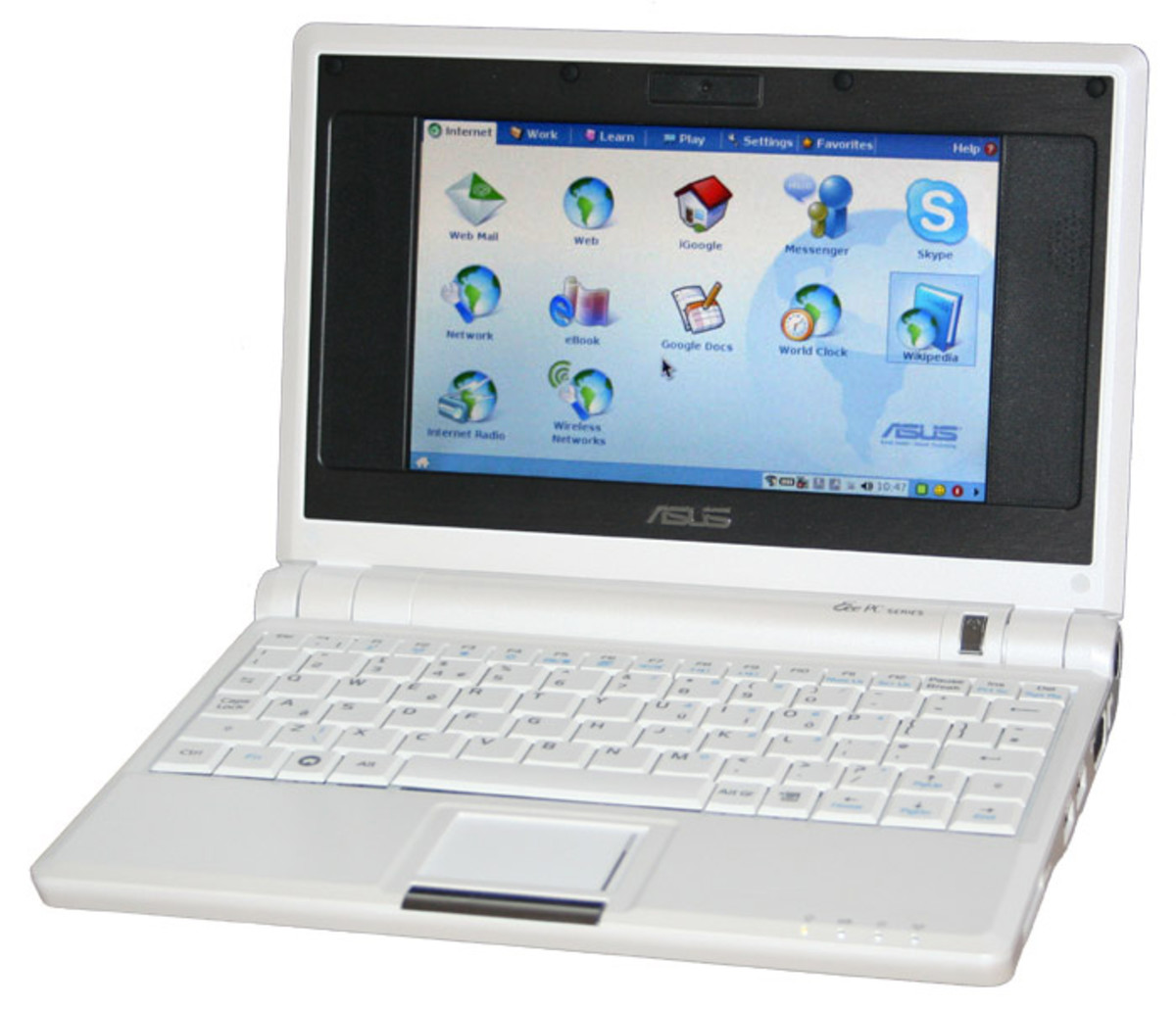 A White Asus Eee PC