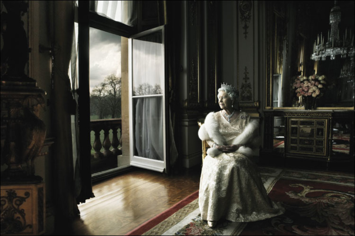 """""""QUEEN ELIZABETH II"""" BY ANNIE LEIBOVITZ IN 2007"""