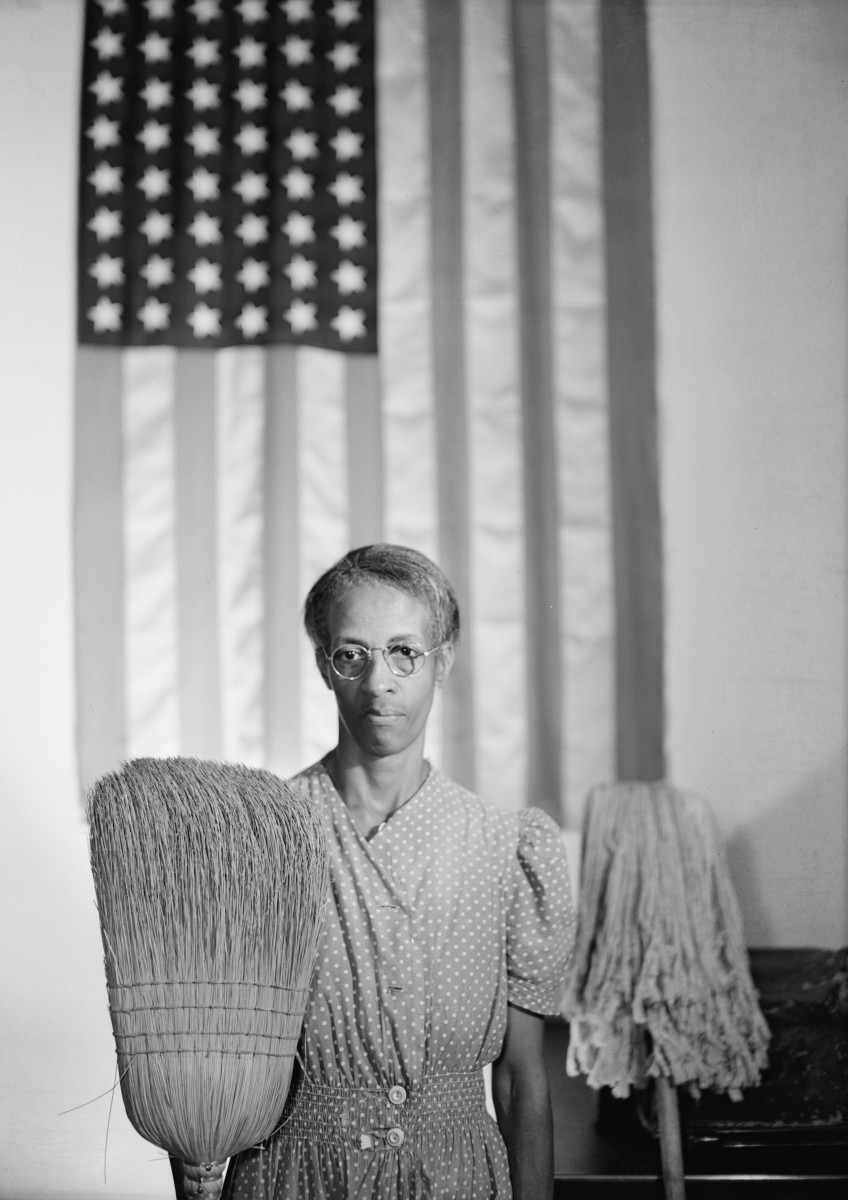 """AMERICAN GOTHIC"" BY GORDON PARKS IN 1942"